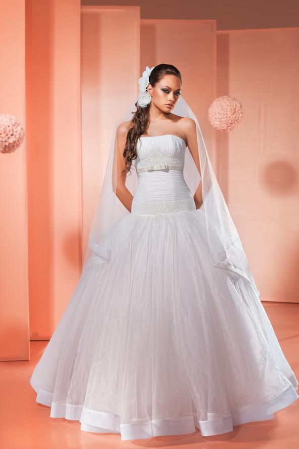 Свадебное Платье С Лентой На Подоле Платья 65